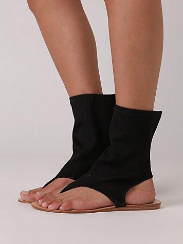 Indie Stretch Sandal