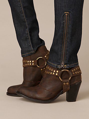 Removable Harness Nation Boot