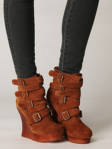 Bjork Buckle Wedge