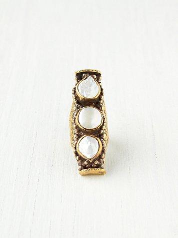 3 Stone Saddle Ring