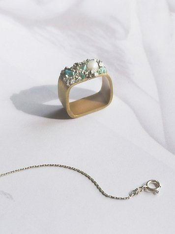 Stone Cluster Square Ring
