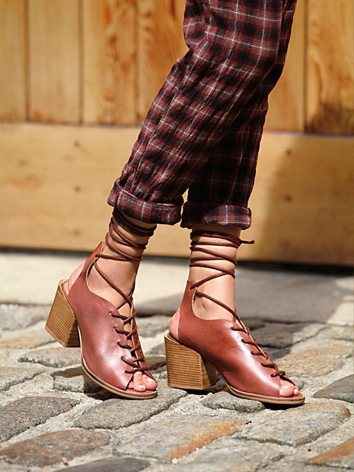 Rusel Lace Up Heel