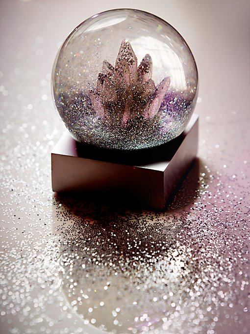 FP Crystal Snow Globe