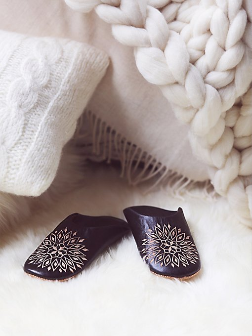 Medallion Slipper