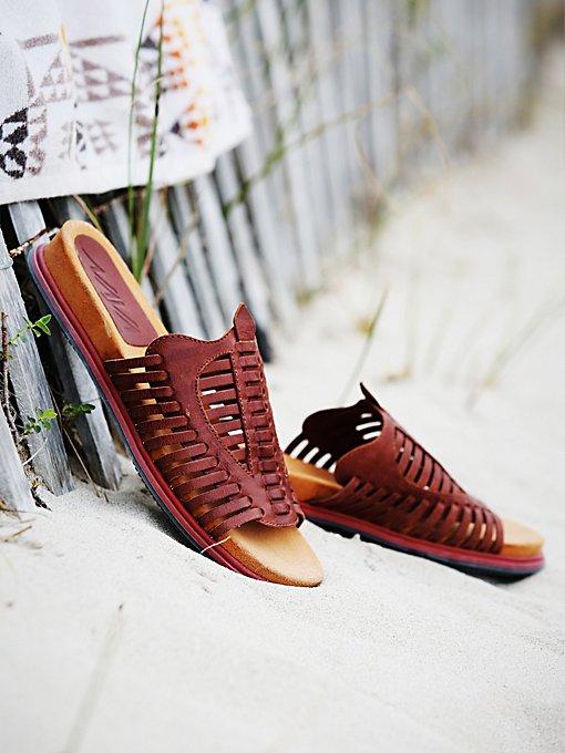 Kicker Huracche Slip On Sandal