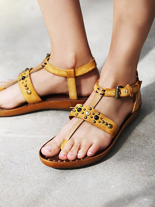 Sundial Distress Thong Sandal