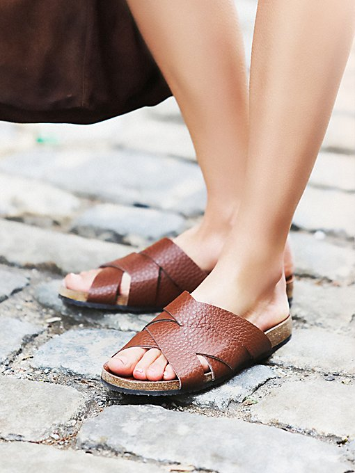 Off the Horizon Slide Sandal
