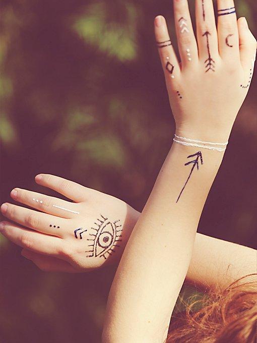 Henna Body Paint