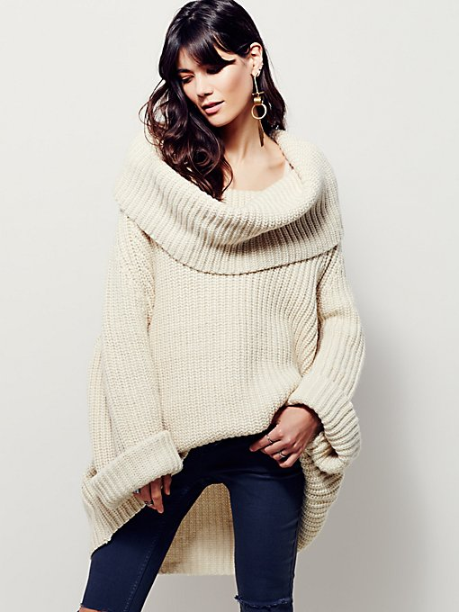Extreme Cowlneck Pullover