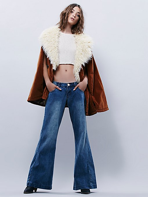 Relaxed Westender Flares