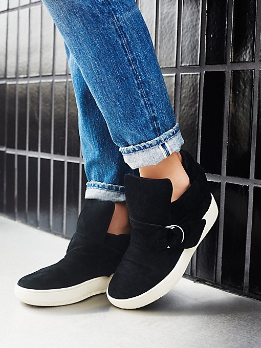 Baseline D-Ring Hi Top Sneaker