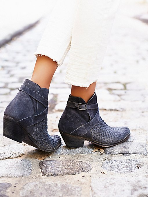 Venture Ankle Boot